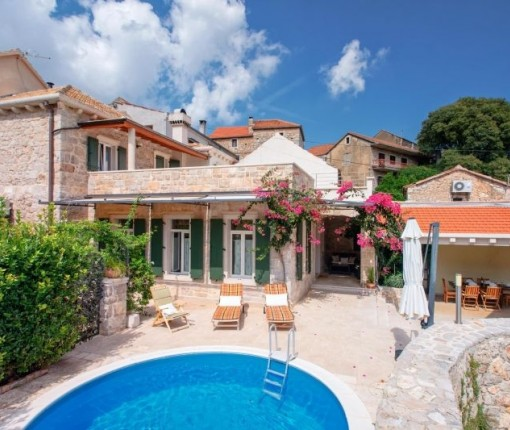 Accommodation Hvar, Holiday home Svirce
