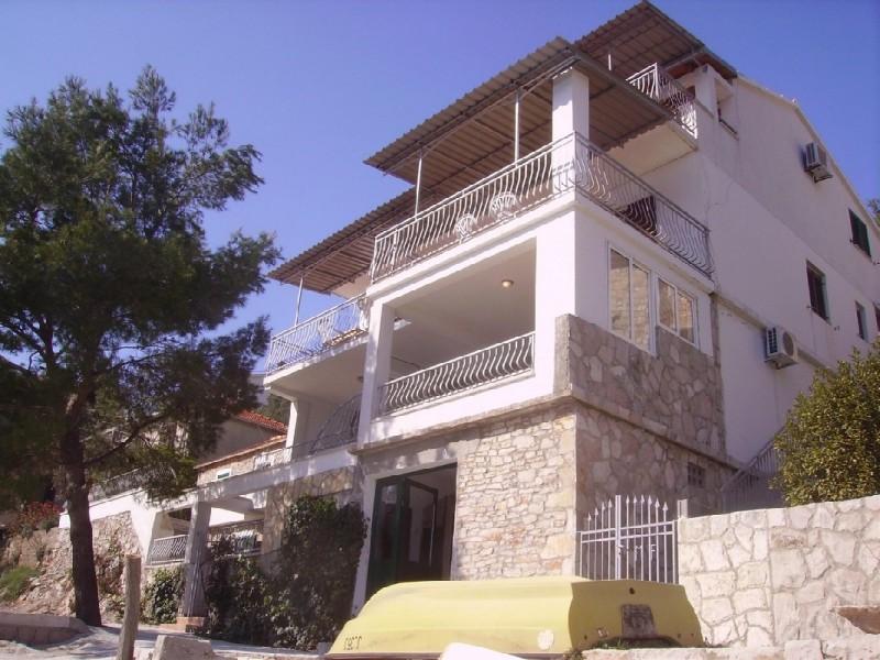 Apartment Ivo