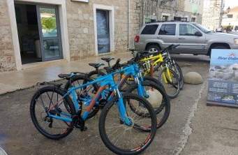 Rent a bike - Hvar